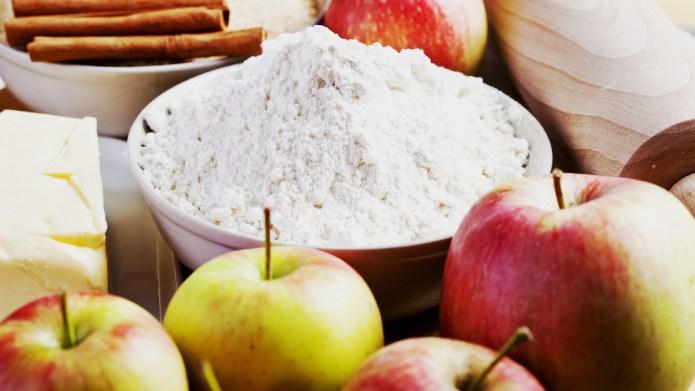 Easy apple crisp to celebrate the