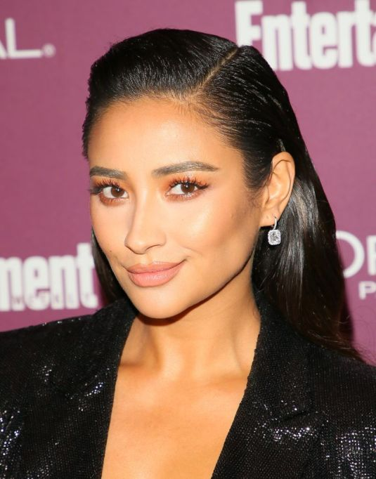 Celebrities Who Don't Label Their Sexuality: Shay Mitchell