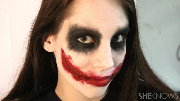 Freaky femme Joker makeup tutorial for