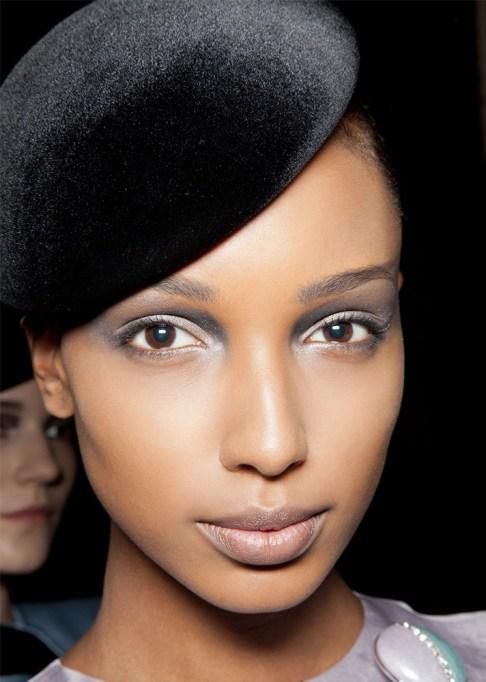 30 Summer Makeup Ideas: Slate Inverted Smokey Eye
