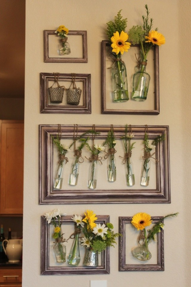 How to upcycle old picture frames: Flowers on the wall