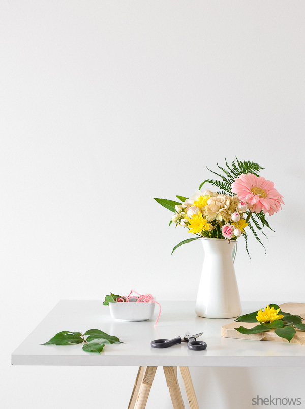 Arranging-flowers-like-a-pro 4