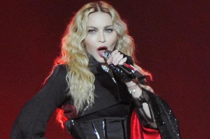 Madonna apologizes