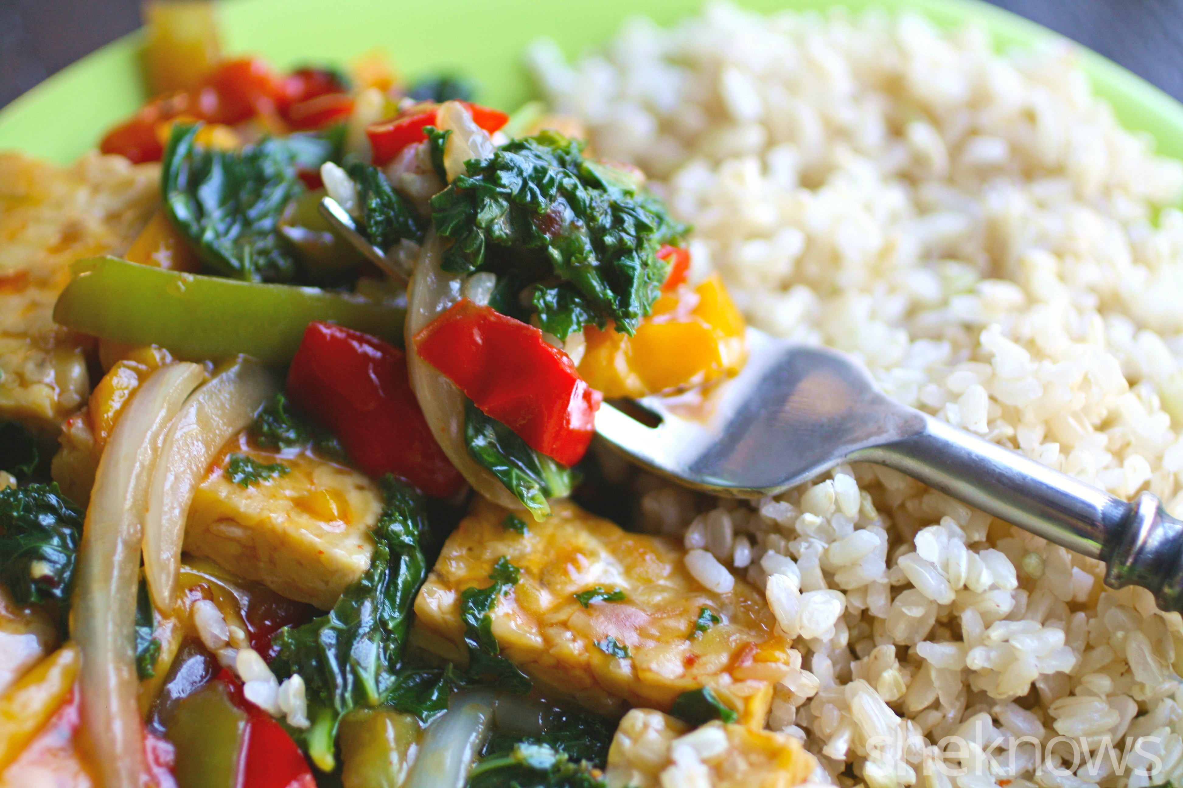 Dig into an easy-to-make and delicious Szecuan stir-fry for your next Meatless Monday meal!