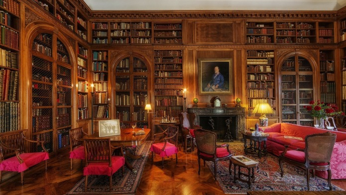 8 Home libraries Sherlock Holmes would