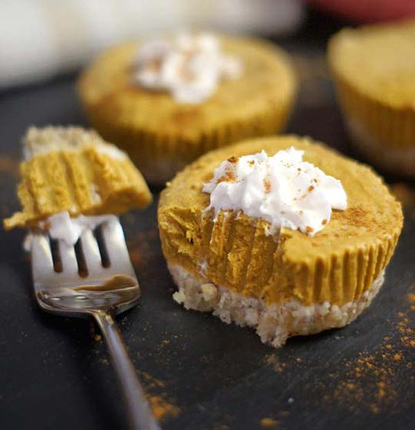 Easy No-Bake Thanksgiving Desserts: Paleo Vegan Pumpkin Tarts