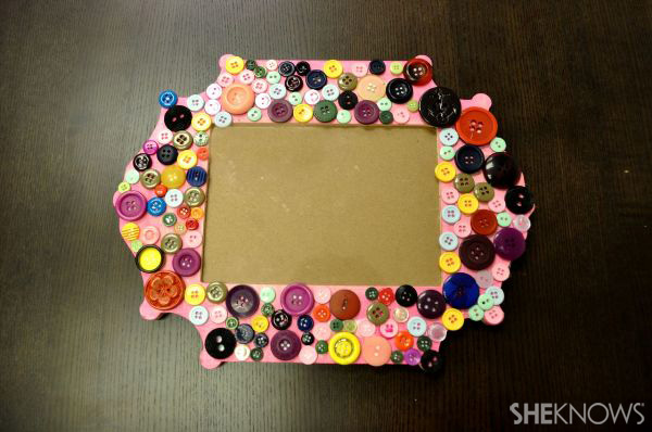 How to create a button picture frame