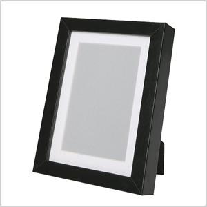 simple black frame