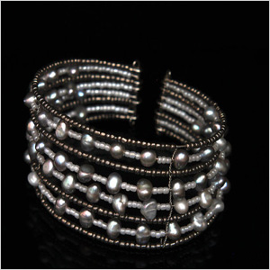 freshwater-pearls-on-bangle