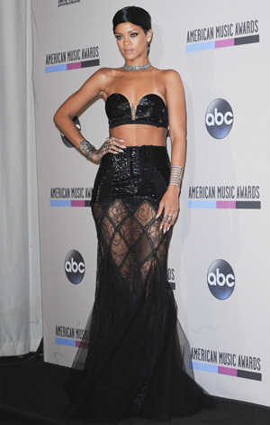 Rihanna at the 2013 AMAs
