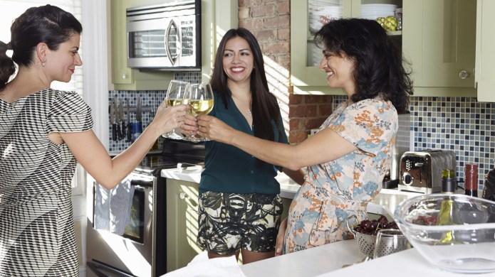 3 Ways friendship improves your health