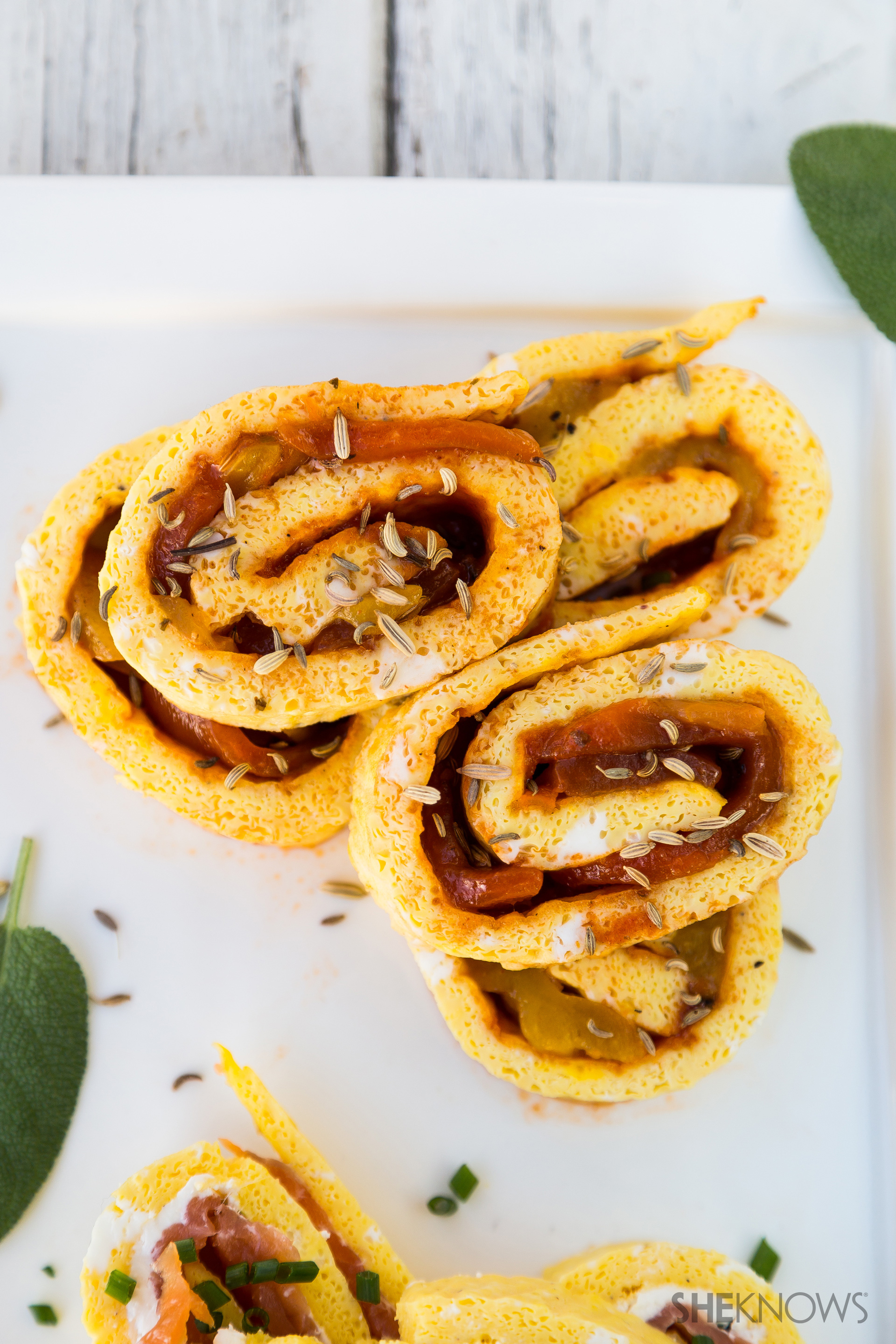 Harissa and grilled peppers frittata roll-up recipe