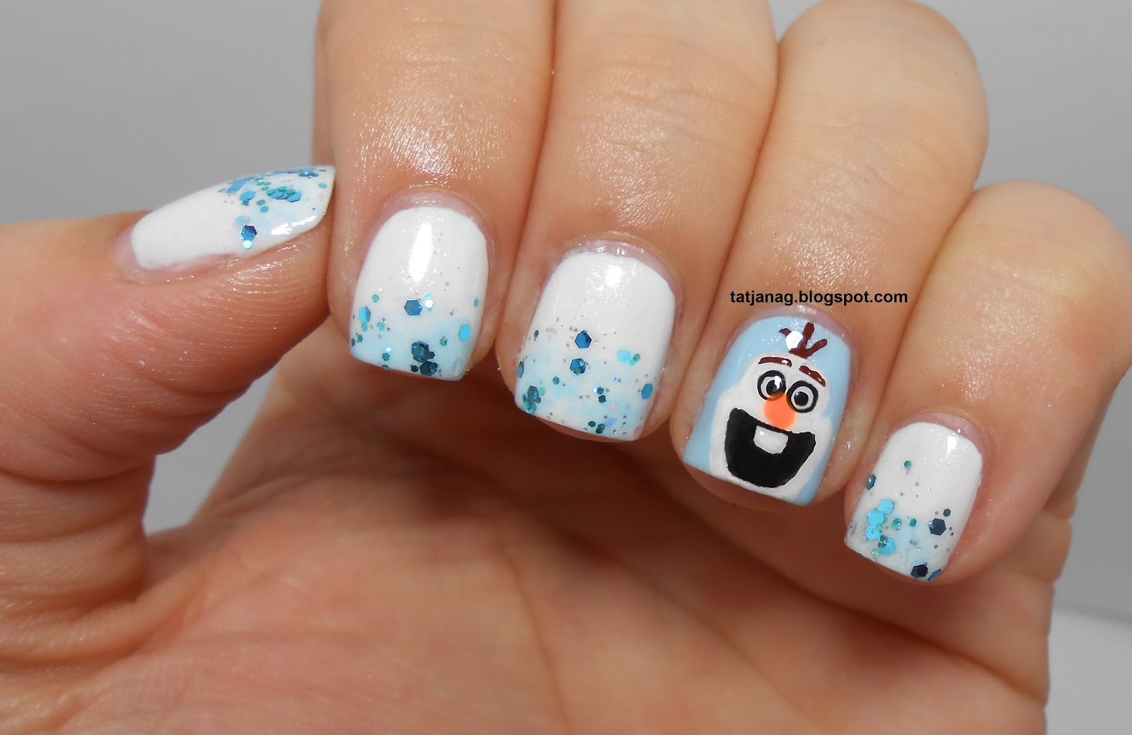 Frozen manicure with Olaf