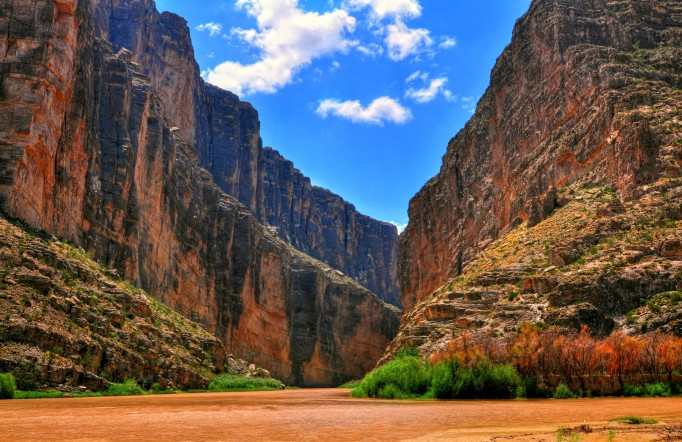 The water, sandstone walls and sky at Big Bend National Park