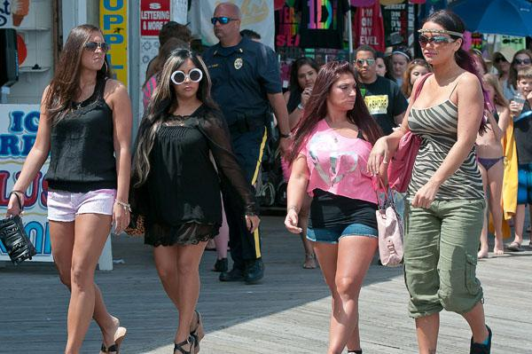 The Jersey Shore cast goes dry