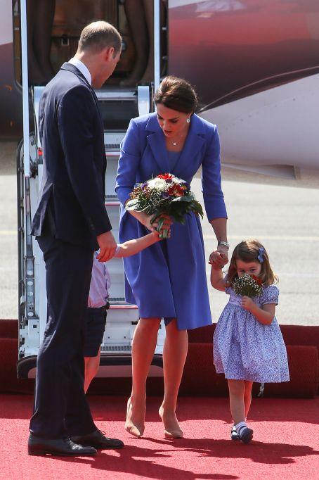 Prince George & Princess Charlotte are so cute on their European tour