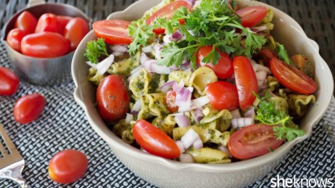 Kale-pesto pasta salad