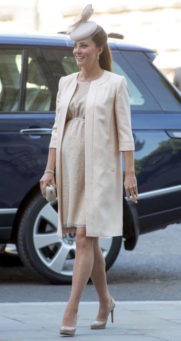 Kate Middleton peach maternity dress