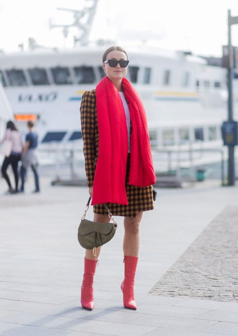Blanket Scarves to Keep You Cozy This Fall and Winter: Little red things   Fall and Winter Fashion 2017