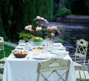 Decor for garden party