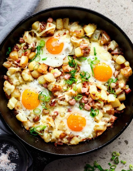 Food & TV Pairings: Bacon and Egg Hash
