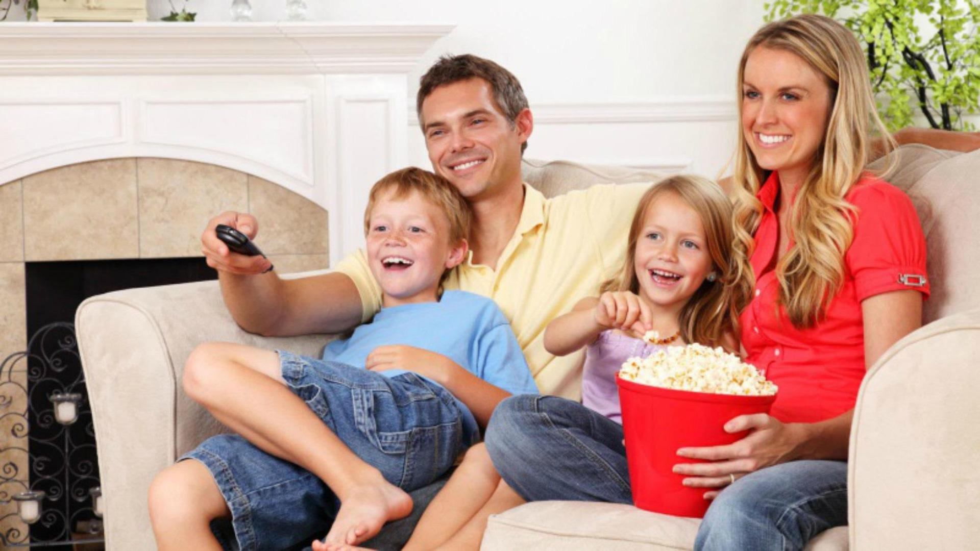 Why you should watch movies with your kids regularly – SheKnows