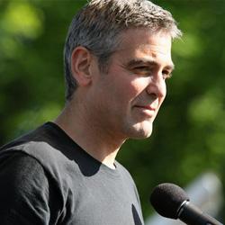 George Clooney speaks at Darfur rally in Washington DC