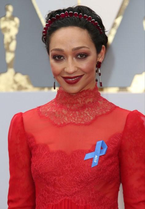 Celebrity Inspired Ways To Wear A Headband | Ruth Negga