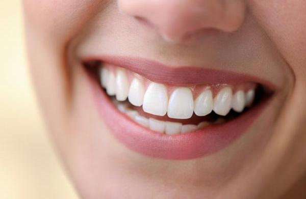 Benefits of moisturizing your lips