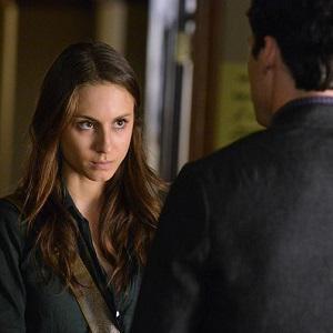 Pretty Little Liars review: Ezra's eyes