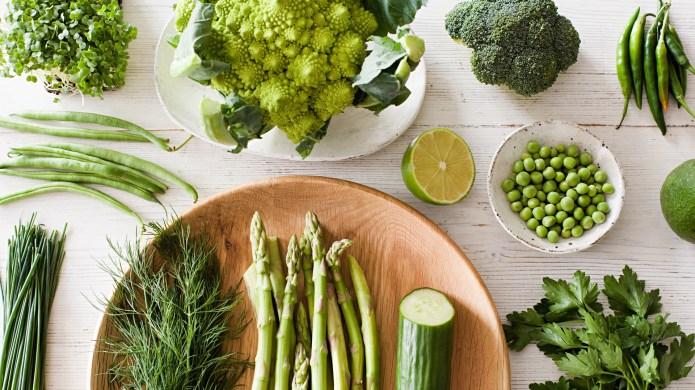 15 Foods that treat common skin