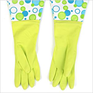Glamorous gloves