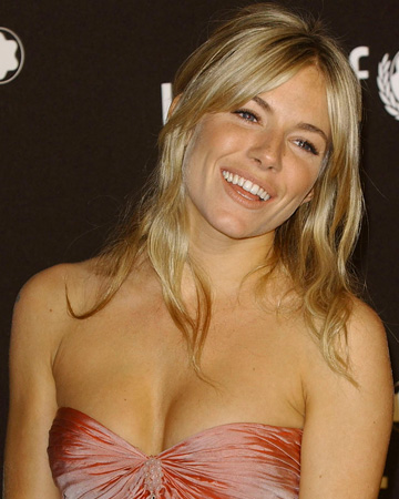 Sienna Miller's girly hairstyle
