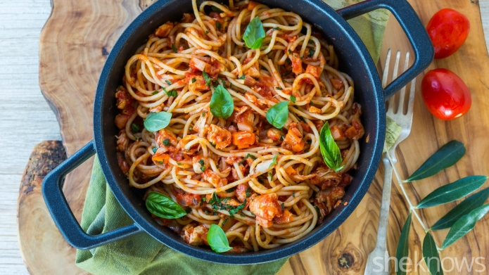 Spaghetti with leftover chicken ragù makes