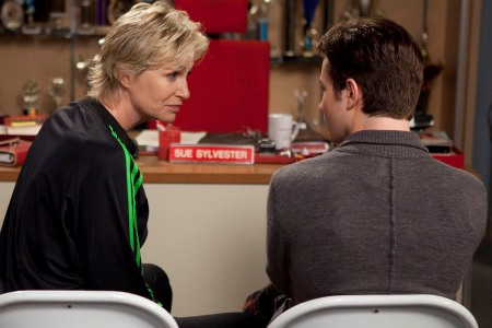 Kurt gets a talking to by Sue Sylvester on Glee