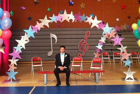 Glee holds its Prom