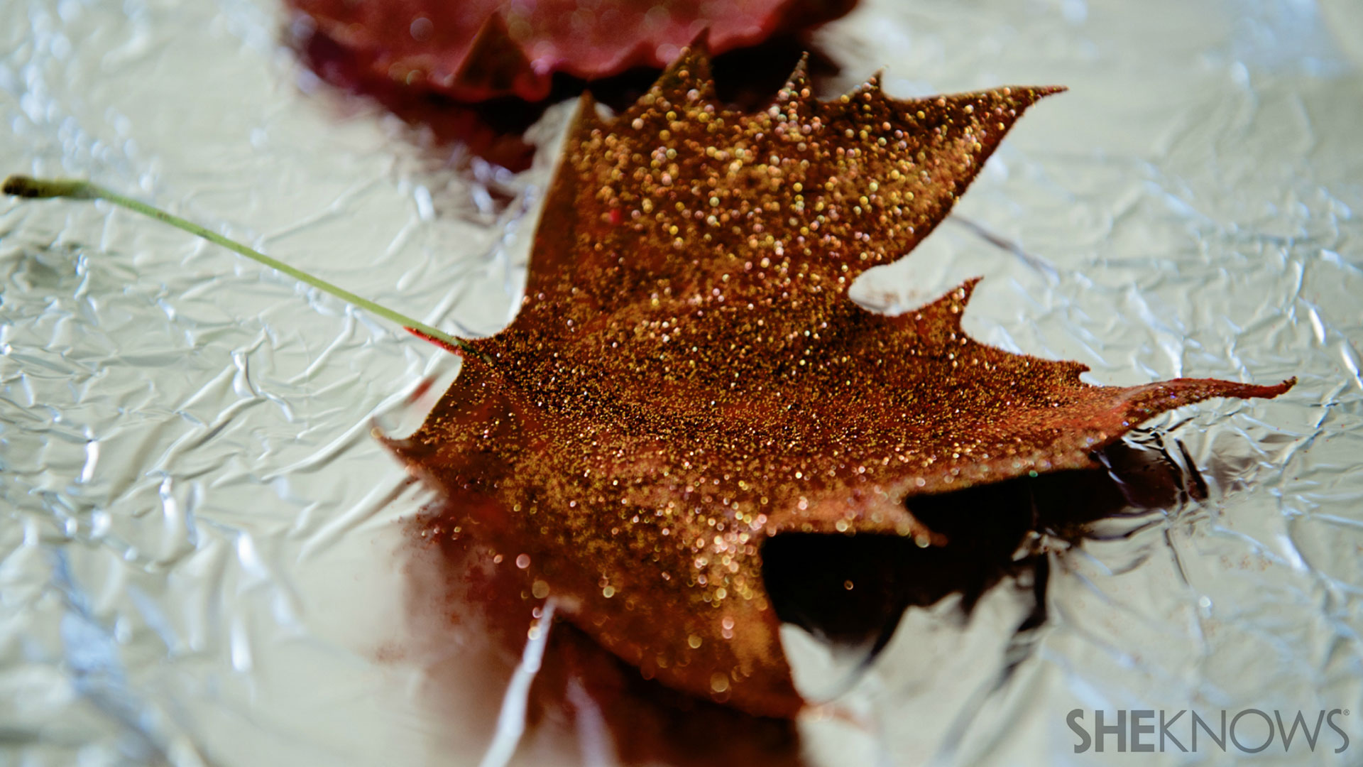 Glitter leaves | Sheknows.com - leaf cooling
