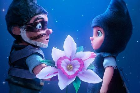 Gnomeo and Juliet, as voiced by James McAvoy and Emily Blunt