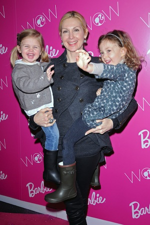 Gossip Girl mom Kelly Rutherford loses custody of her two kids.