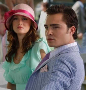 Leighton Meester and Ed Westwick strike a Gossip Girl pose