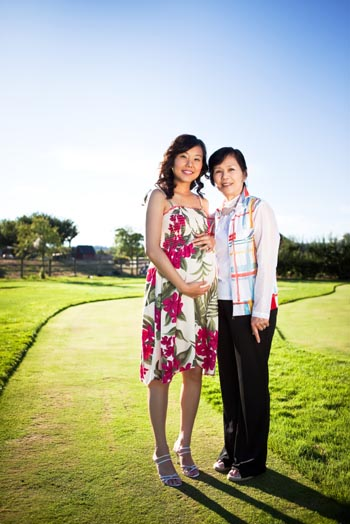grandma-and-pregnant-daughter