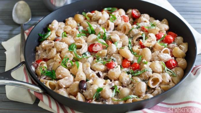 One-Pot Wonder: Greek pasta skillet with