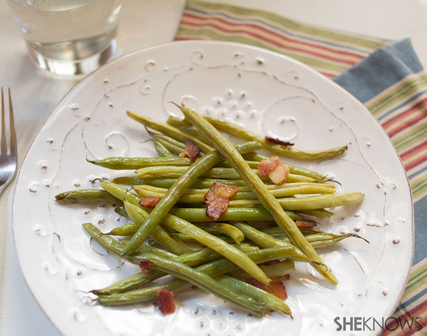 Bacon-braised green beans | SheKnows