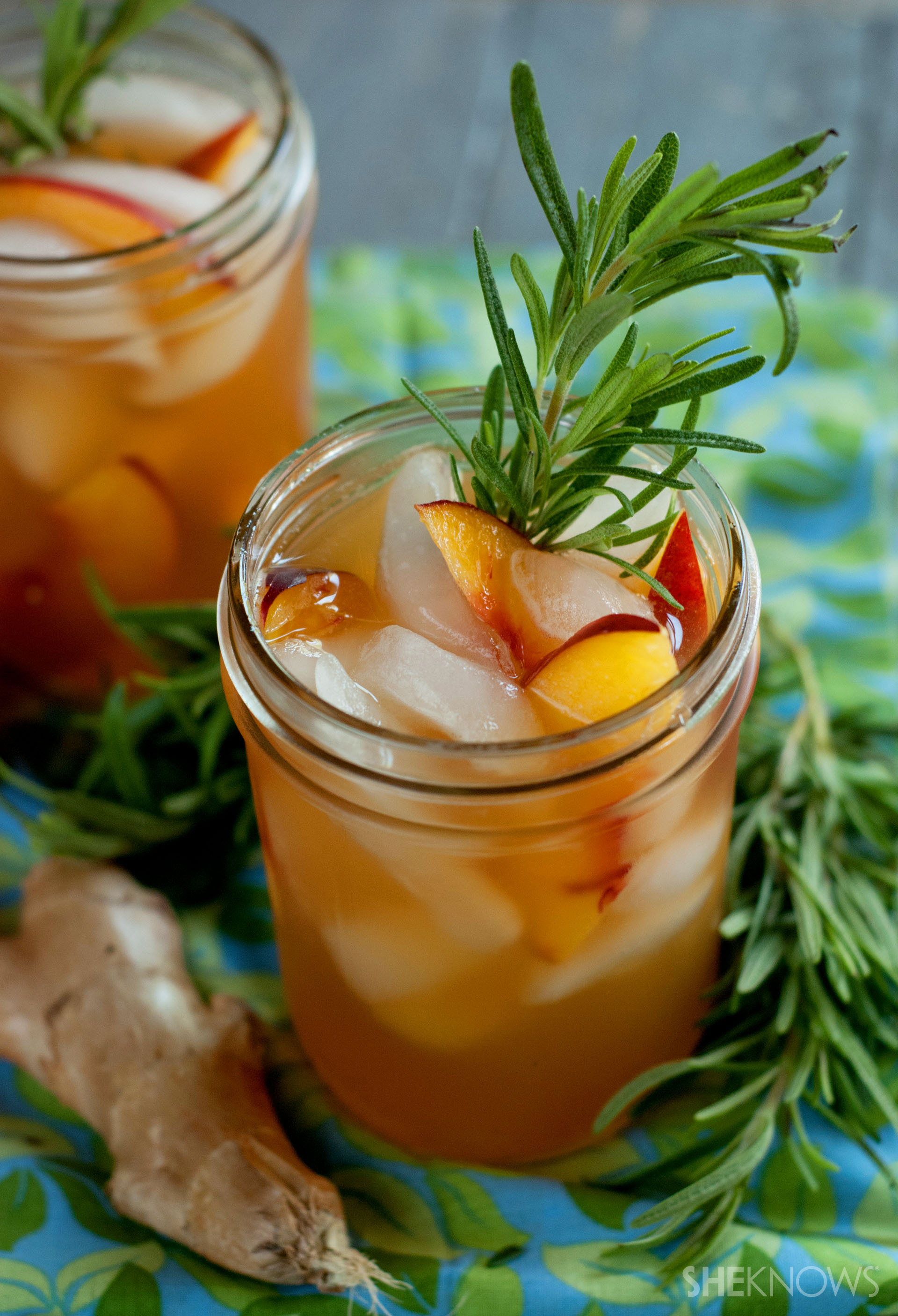 Iced rosemary ginger peach green tea