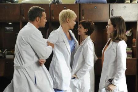 On Grey's Anatomy, the women war