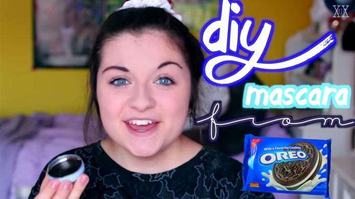 Beauty blogger makes mascara from Oreo