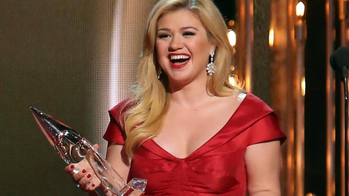 Kelly Clarkson to get the ultimate