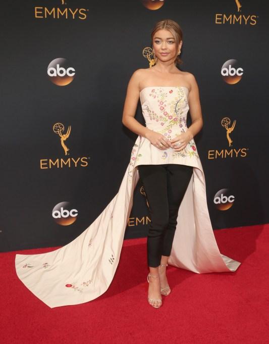 Sarah Hyland Emmys 2016