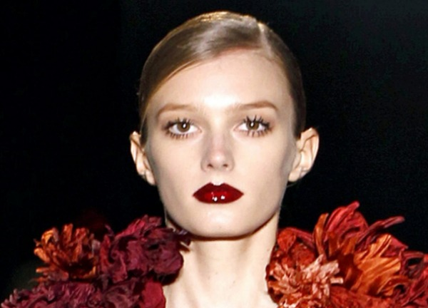 Gucci Burgundy lips fall 2011