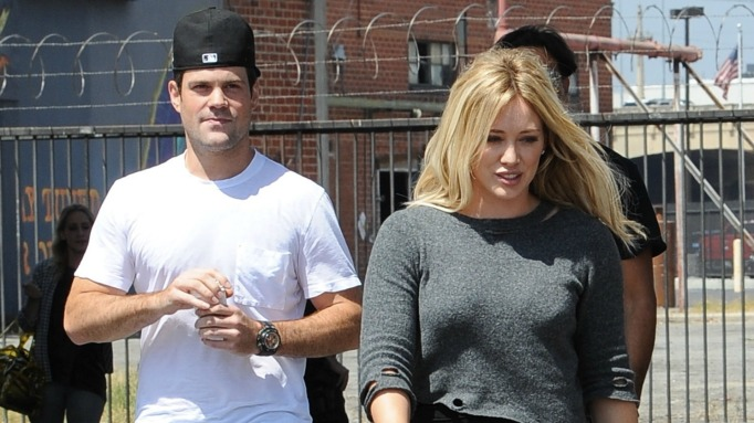 Hilary Duff and Mike Comrie divorce